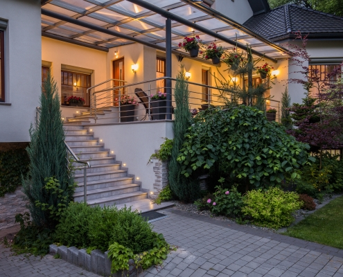 landscape lighting incorporated into home design
